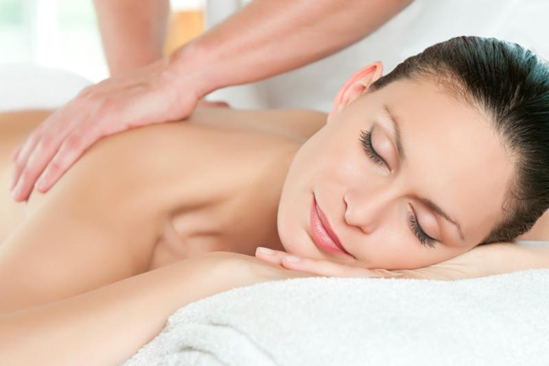 massage behandeling door Anne en Enid Krah